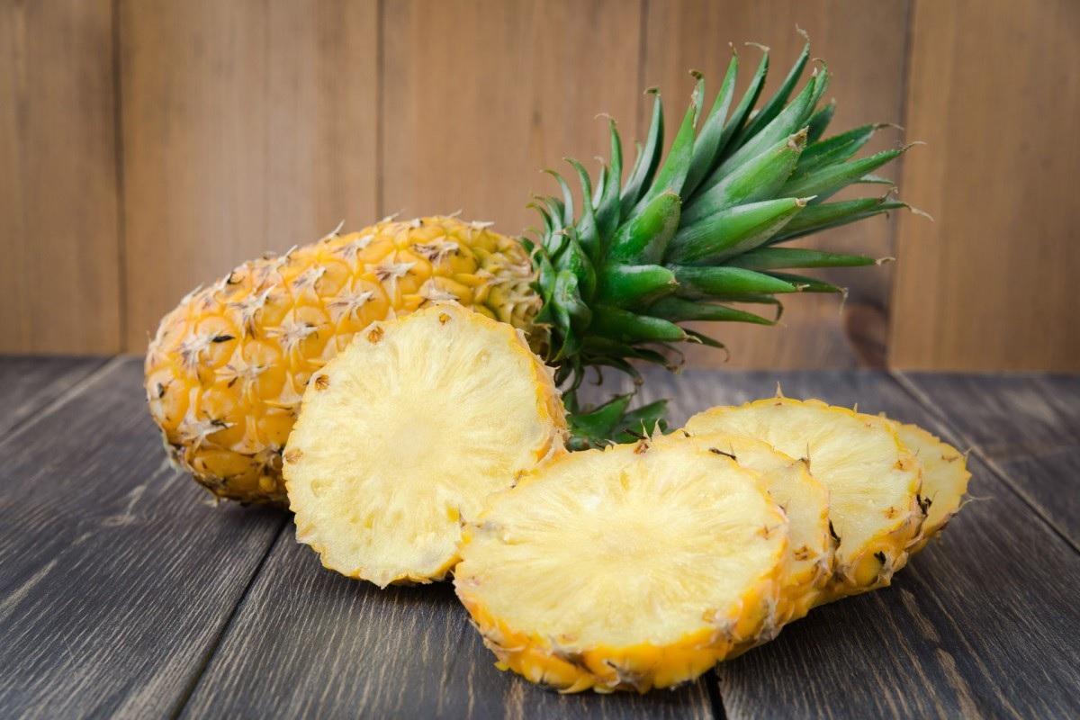 Цветы ананаса